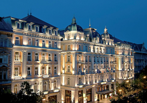 Akár 6300 új szállodai szobával bővülhet Budapest kínálata 2022-re