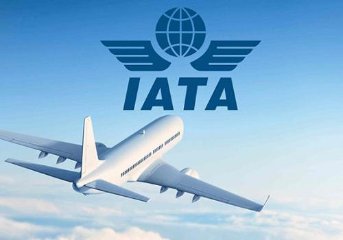 IATA: olcsó gyorsteszttel újraindítható a légiközlekedés