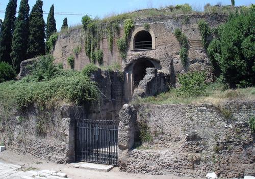 Tizennégy év után újra látogatható Augustus császár mauzóleuma Rómában