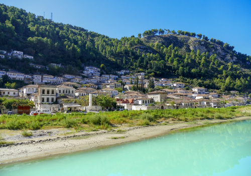 Albánia titkos kincsei: Berat, a Koman-tó és a Thethi Nemzeti Park