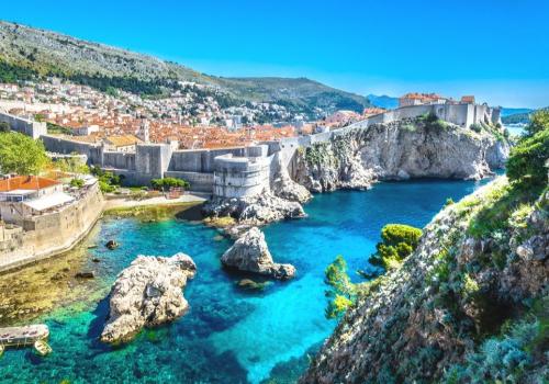 Horvátország és Szlovénia megpróbálja megmenteni a nyári turisztikai szezont