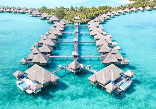 Szállások Francia Polinézián: St. Regis Resort Bora Bora 5*